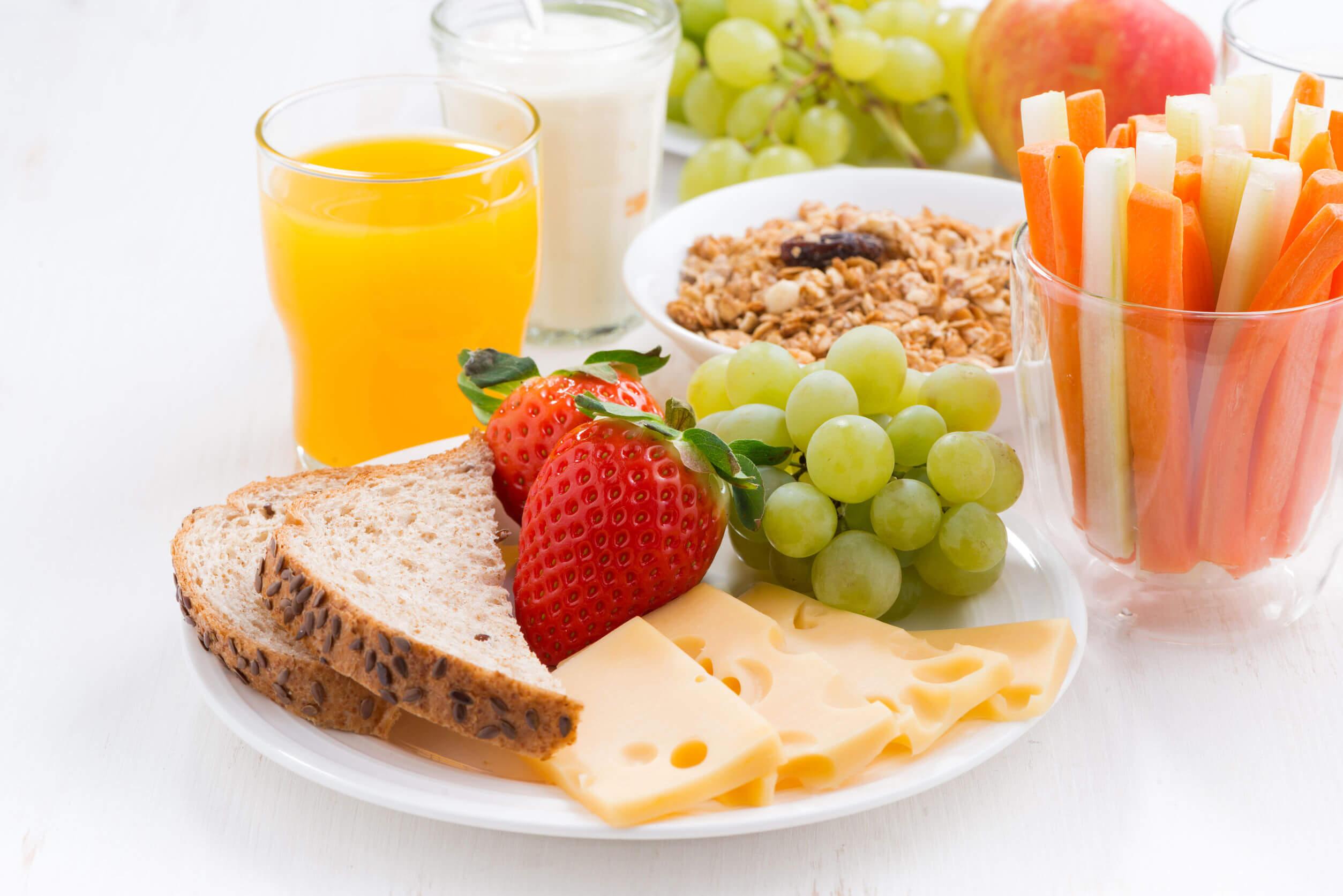 La celulitis puede prevenirse comiendo de forma saludable.