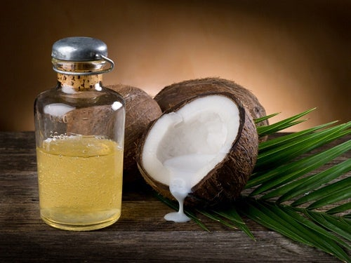 Usos del aceite de coco en el cabello