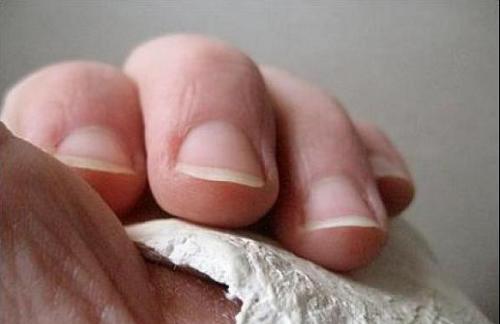 Consejos, recomendaciones y remedios para no morderse las uñas
