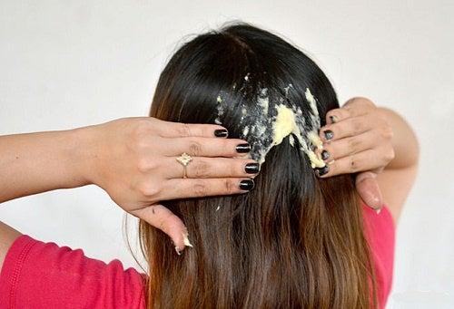Tratamientos naturales para reparar el cabello