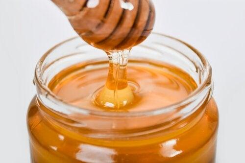 3 remedios caseros con miel para cuidar la salud respiratoria