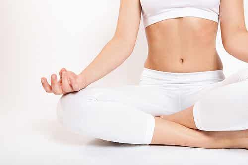 Cómo practicar yoga en casa