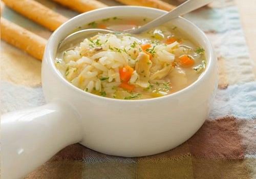 como hacer una sopa de pollo saludable