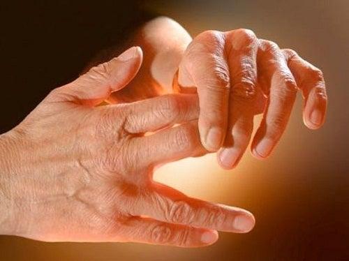 causas manos doloridas