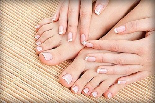 Cómo cuidar correctamente los pies y las uñas