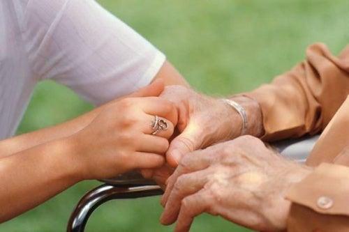 Cómo afrontar el estrés del cuidador