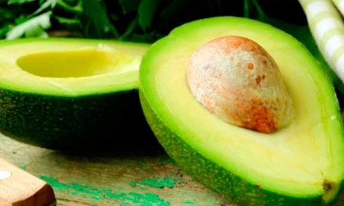 ¿Por qué se recomienda incluir el aguacate en la dieta?