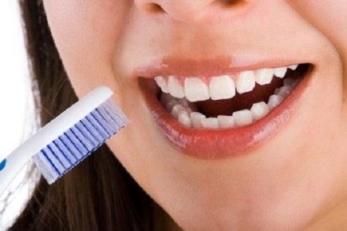 Cuáles son las causas de los dientes sensibles