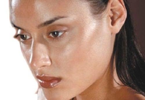 Alimentos que debes evitar si tienes piel grasa