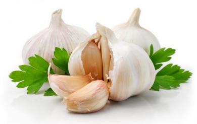 Las frutos y vegetales de color blanco son ricos en fibra y potasio.
