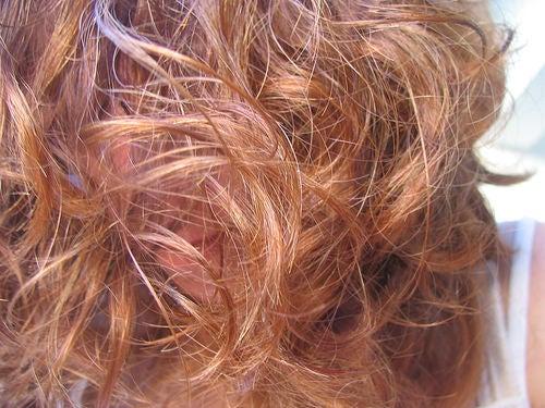 Teñir el pelo a rojizo con henna