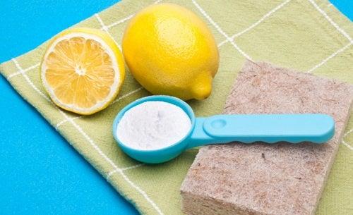 Recetas caseras no-tóxicas para limpiar la casa