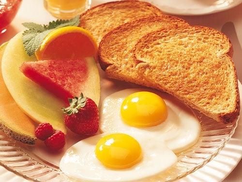 Consumir-un-buen-desayuno
