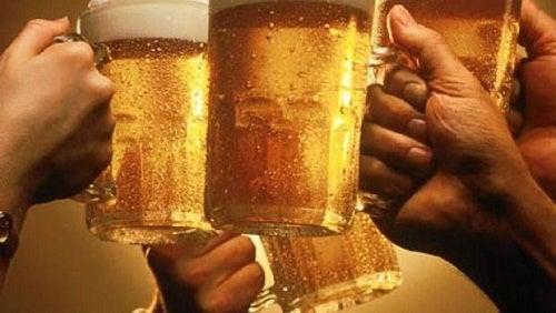 Mitos y curiosidades sobre el alcohol