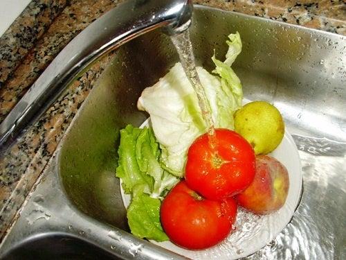 Tips y recomendaciones para lavar y desinfectar frutas y verduras ...