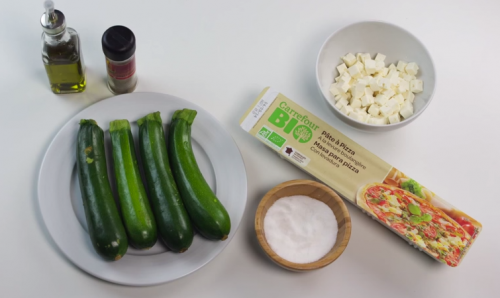 Ingredientes-de-Pizza-de-calabacin-y-queso-feta