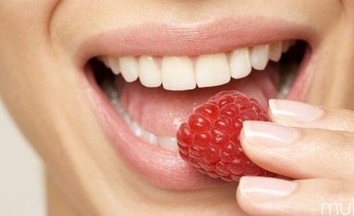 Los mejores y los peores alimentos para tus dientes