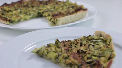 Pizza de calabacin y queso feta