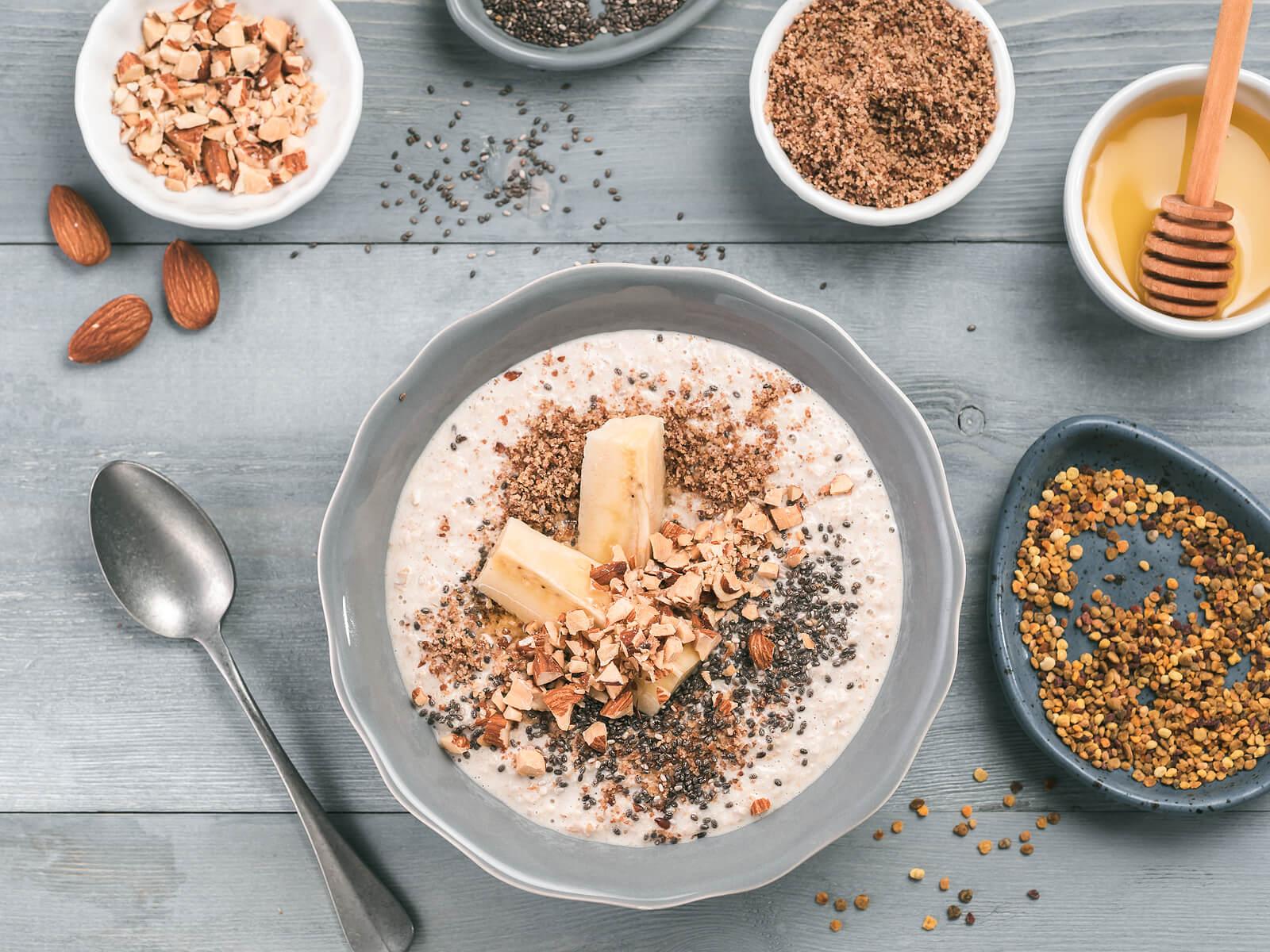 Hay muchas maneras deliciosas de consumir avena por la mañana.