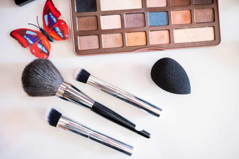 ¿Qué maquillaje usar según el color de cabello?