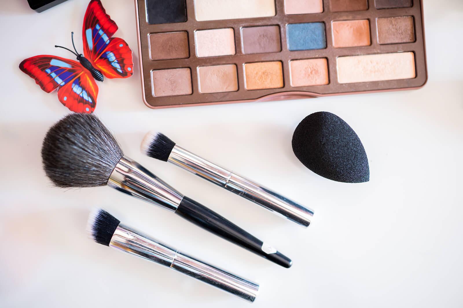 Artículos de maquillaje que se deben desinfectar.