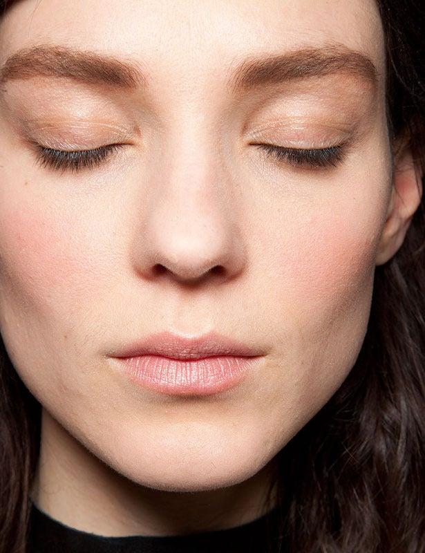 Trucos de belleza para lucir un rostro más fino y delgado - Mejor ...