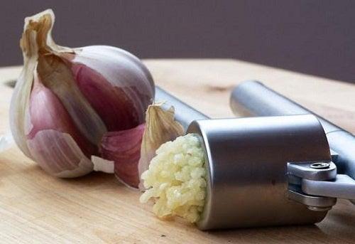 Cómo condimentar comidas para dejar la sal