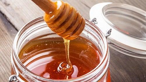 4 alimentos que te ayudarán a prevenir y tratar las úlceras pépticas