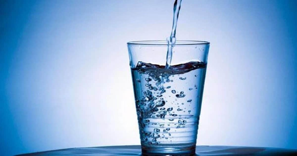 Los beneficios del agua alcalina son controvertidos.