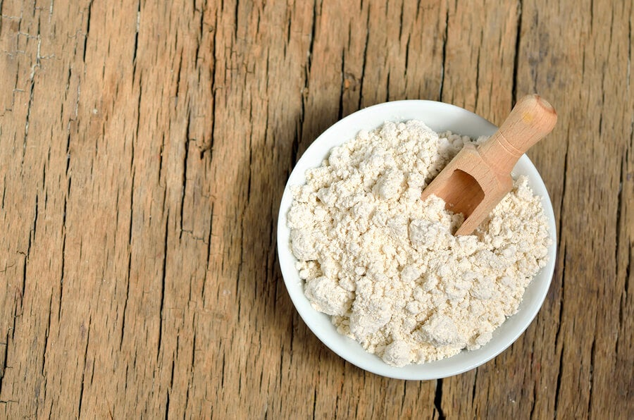 Mascarilla de harina de avena y clara de huevo