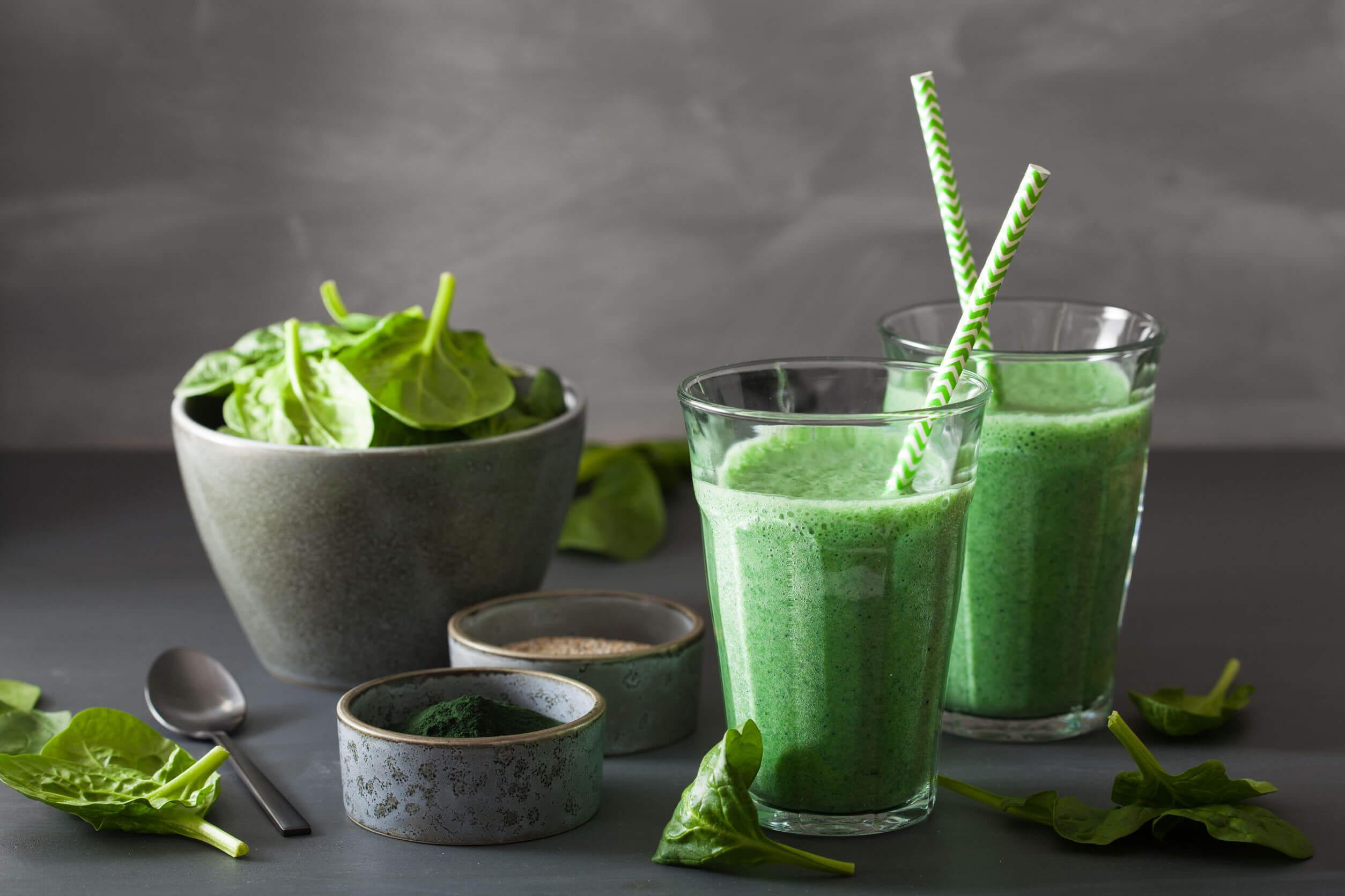 Para adelgazar saludablemente puede seguirse una dieta verde.