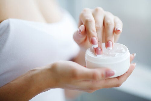 Cremas caseras para las cutículas y la salud de las uñas