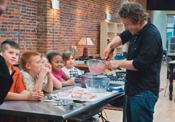 El chef James Olivier demostró en televisión cómo se elaboraban los nuggets.