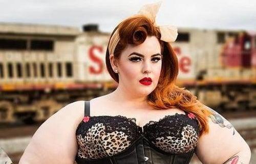 Nuevo canon de belleza: Tess Munster, la modelo XXL