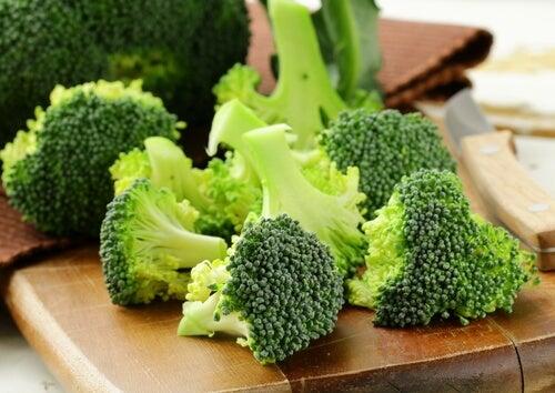 alimentos ricos en luteína: brócoli