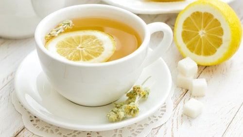te de cáscara de limón