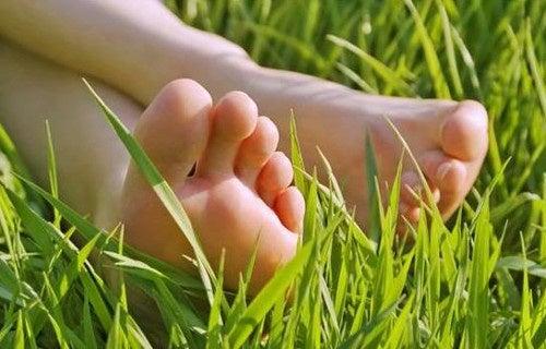 Los sorprendentes beneficios de andar descalzo