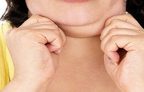 3 formas de disminuir la papada y tonificar el cuello