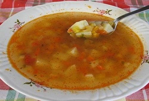 La sopa llena de ingredientes que estimulan la pérdida de peso