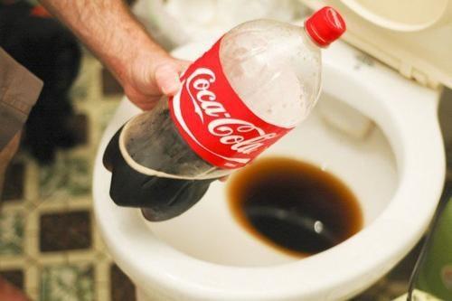 13 usos alternativos de la Coca Cola... ¿Qué es lo que estás consumiendo?