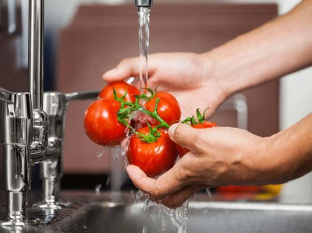 Cómo limpiar las frutas y los vegetales de pesticidas y bacterias