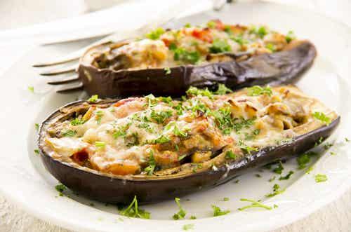 Berenjenas al horno con verduras. 2 recetas