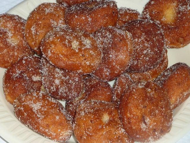 Prepara deliciosos y sencillos buñuelos de fruta