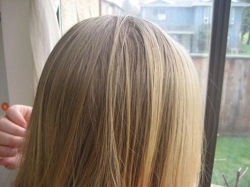 El aceite para los cabellos oil hair care