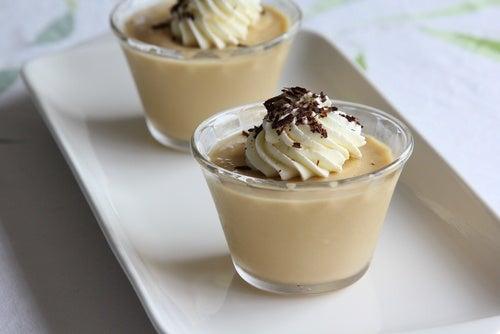 Mousse de crema pastelera con salsa de toffee