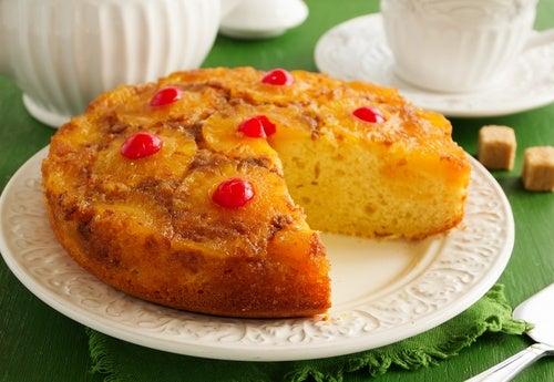 pastel volteado de piña