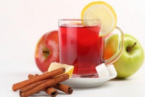 Té de manzana y limón para combatir el ácido úrico