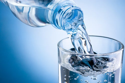 Agua para problemas intestinales