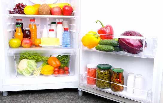 14 alimentos que nunca deberían faltar en tu nevera