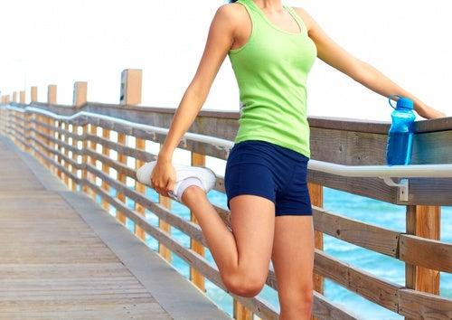 Steps-con-elevación-de-rodilla